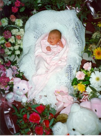 Chloe Rose Ruppert ( 8 days old ) - Photo Copyright 1999 Roy Ruppert